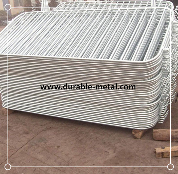 Hot Galvanised Crowd Control Barriers Order for U.K