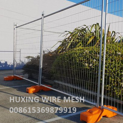 Weld Mesh Perimeter Temporary Fence with Plastic Feet Block